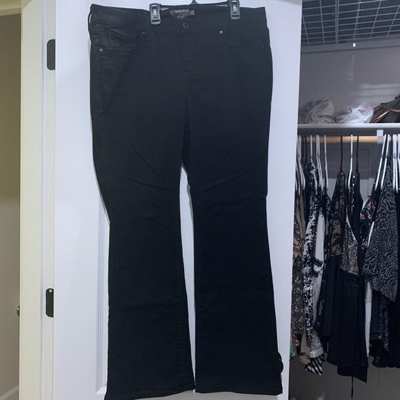 Torrid 18R blk Mid-RiseSlim Boot jeans